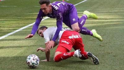 Oliver Markoutz im Duell mit dem FC Dornbirn