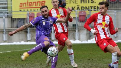 Markus Pink im Duell mit dem FC Liefering