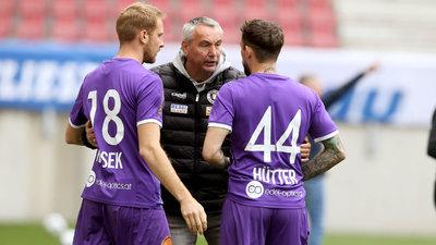 Trainer Peter Pacult mit Markus Rusek und Philipp Hütter