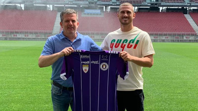 Geschäftsführer Sport Matthias Imhof mit Turgay Gemicibasi